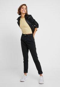 Monki - KIMOMO CLASSIC - Jeans straight leg - black - 1