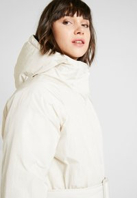Monki - REMI - Cappotto invernale - white dusty light - 5