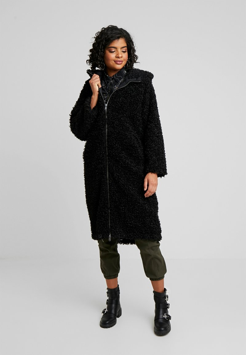Monki - JINNA - Winter coat - black dark