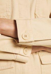 Monki - HANNA JACKET - Lett jakke - light beige - 5