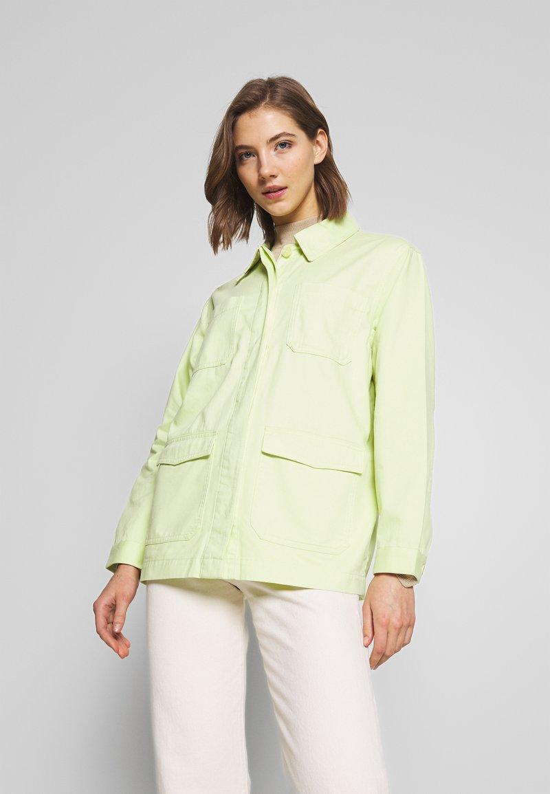 Monki - HANNA JACKET - Veste légère - light green