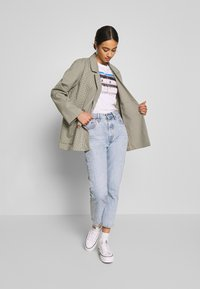 Monki - TWIGGY - Blazer - beige medium dusty - 1
