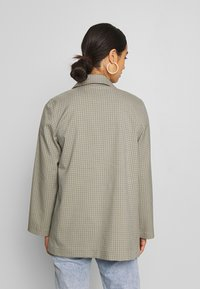 Monki - TWIGGY - Blazer - beige medium dusty - 2
