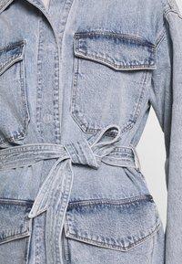 Monki - MAE JACKET - Giacca di jeans - blue medium/light blue - 5