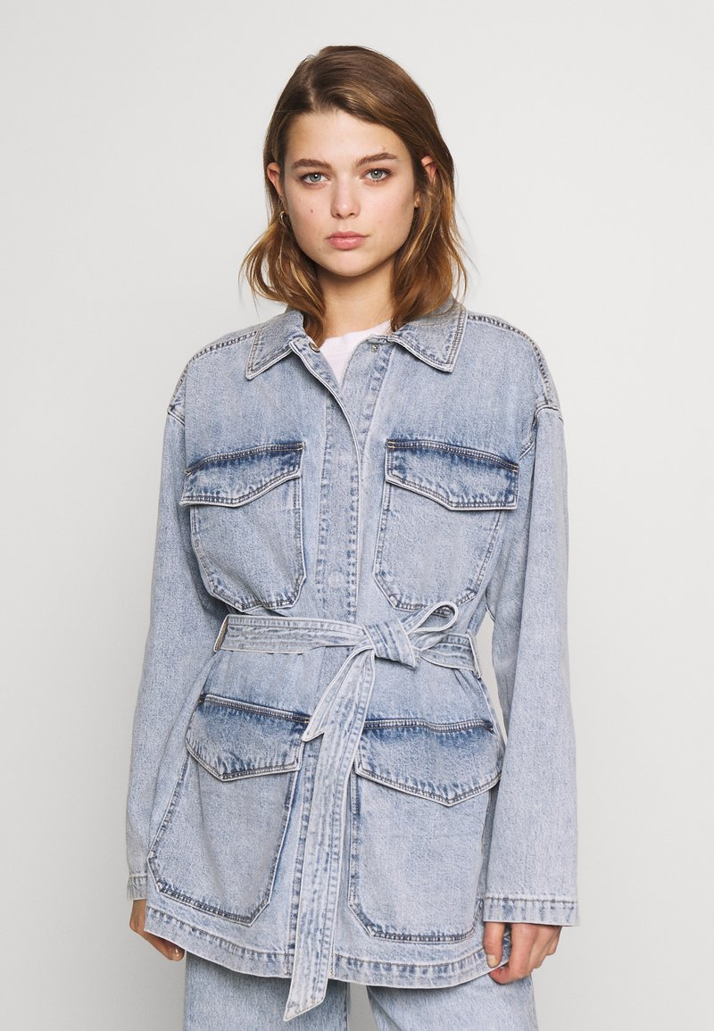 Monki - MAE JACKET - Veste en jean - blue medium/light blue