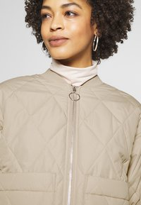 Monki - LOVIS JACKET - Bomberjacks - beige - 3