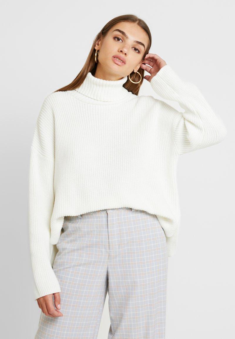 Monki - DOSA  - Stickad tröja - white