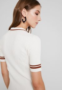 Monki - VALLE UNIQUE - Print T-shirt - off white - 3