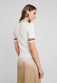 Monki - VALLE UNIQUE - Print T-shirt - off white - 2