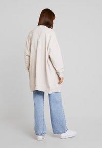 Monki - CAMILLA - Vest - beige/grey - 2