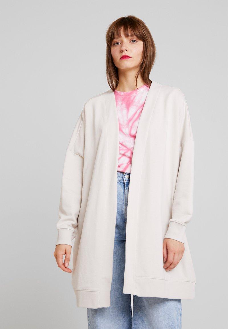 Monki - CAMILLA - Vest - beige/grey