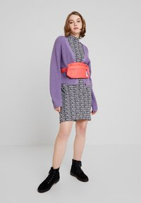 Monki - ZETA CARDIGAN - Kardigan - lilac purple medium - 1
