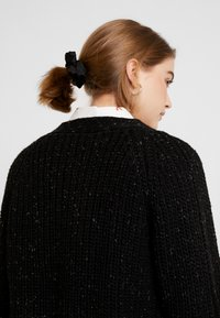 Monki - MATTIS CARDIGAN - Gilet - black dark - 6