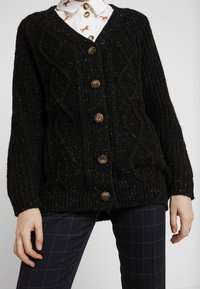 Monki - MATTIS CARDIGAN - Gilet - black dark - 4