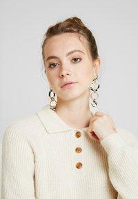 Monki - MARRE - Pullover - beige - 5