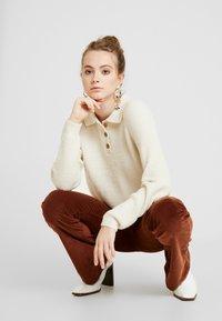 Monki - MARRE - Pullover - beige - 3