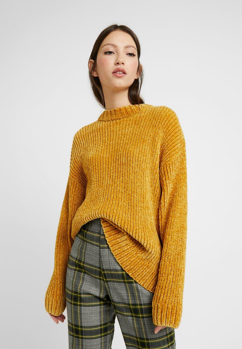 Monki - ELSA - Strikkegenser - mustard twisted yarn