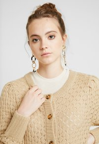 Monki - MARIA CARDIGAN - Cardigan - beige medium dusty - 3