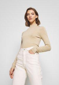 Monki - INGRID  - Sweter - beige medium dusty - 0