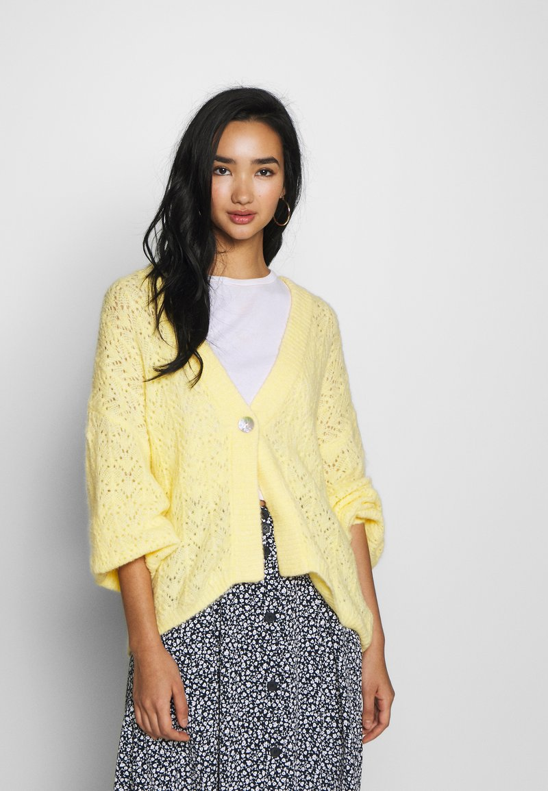 Monki - NALA CARDIGAN - Cardigan - yellow light