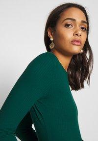 Monki - LILIANA - Maglietta a manica lunga - green - 3