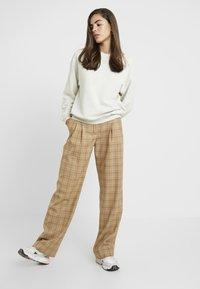 Monki - Sweatshirt - beige medium dusty - 1