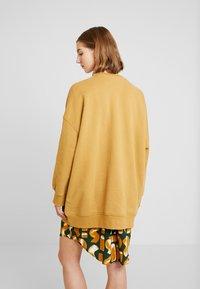 Monki - BEATA OVERSIZED - Sweatshirt - beige - 2