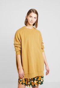 Monki - BEATA OVERSIZED - Sweatshirt - beige - 3