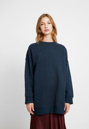 BEATA - Sweatshirt - navy