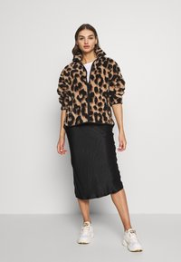 Monki - GAIA - Summer jacket - beige big leo - 1