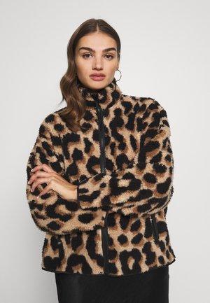 GAIA - Korte jassen - beige big leo