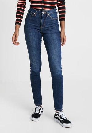 MOCKI - Slim fit jeans - mid blue
