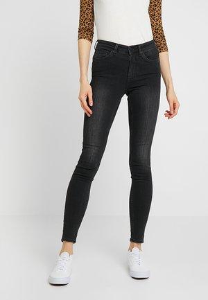 MOCKI - Jeans slim fit - washed black
