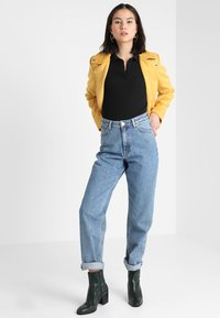 Monki - TAIKI  - Jeans relaxed fit - blue - 2