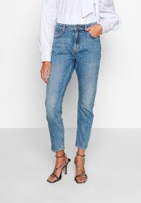 Monki - KIMOMO  - Jeans straight leg - vintage blue - 0