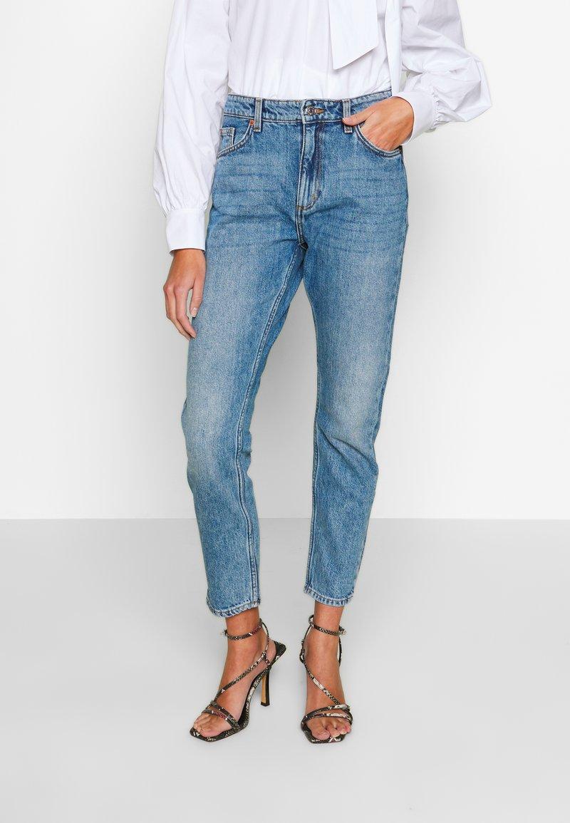 Monki - KIMOMO  - Jeans straight leg - vintage blue