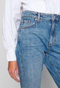 Monki - KIMOMO  - Jeans straight leg - vintage blue - 5