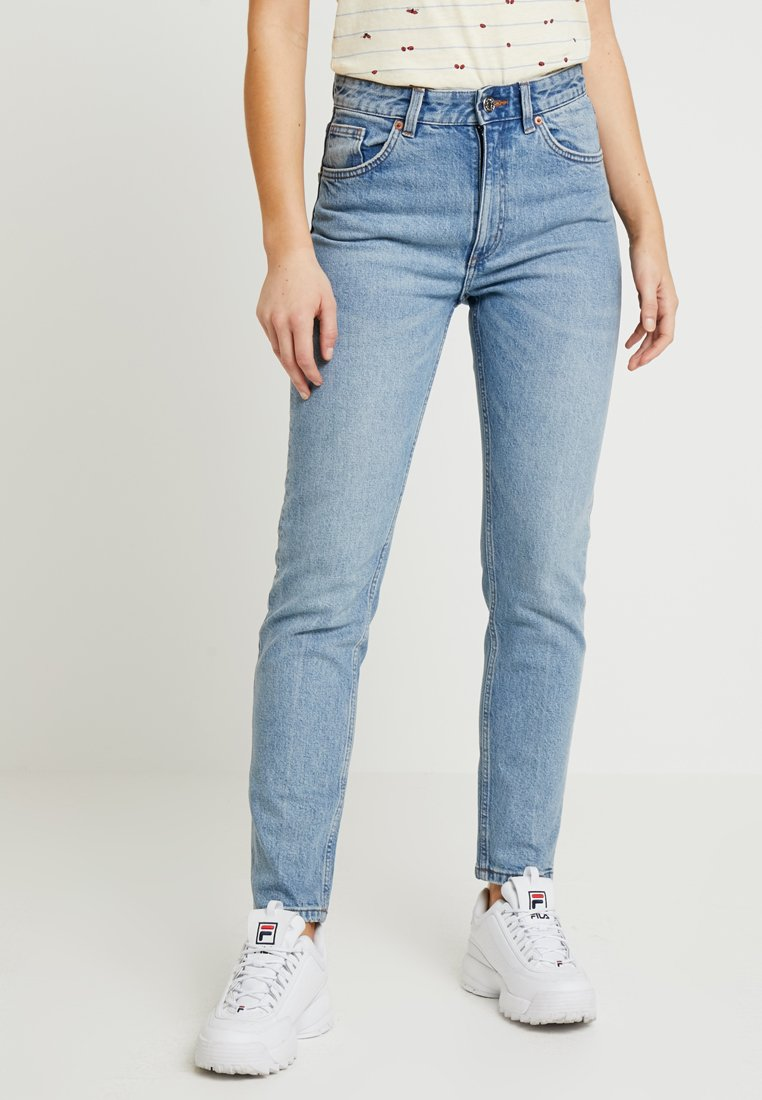 Monki - Moop - Jeans Relaxed Fit - blue