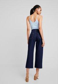 Monki - MOZIK RINSE - Flared Jeans - dark blue rinse wash - 2