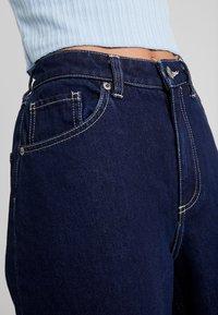 Monki - MOZIK RINSE - Flared Jeans - dark blue rinse wash - 5