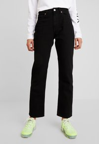 Monki - IKMO UNIQUE - Relaxed fit jeans - black - 0
