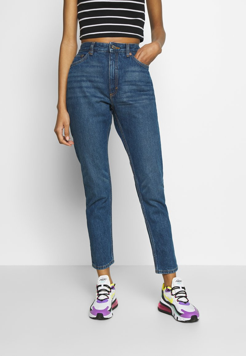 Monki - KIMOMO - Jeans straight leg - blue medium dusty