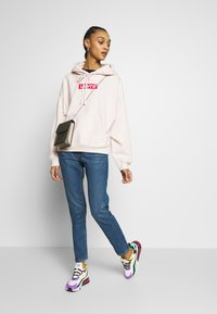 Monki - KIMOMO - Jeans straight leg - blue medium dusty - 1