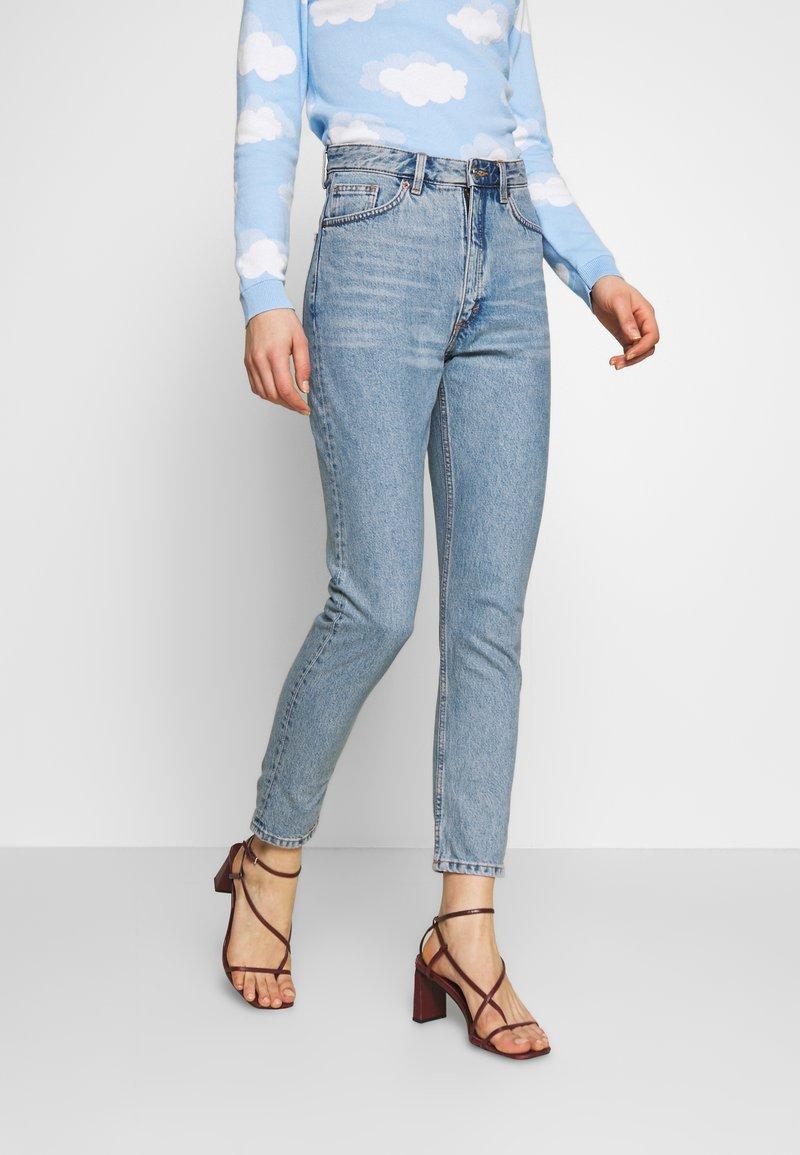 Monki - KIMOMO - Jeans straight leg - blue medium mid blue