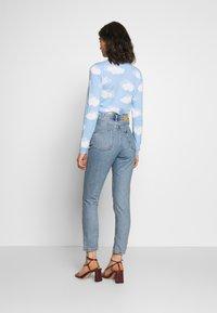 Monki - KIMOMO - Jeans straight leg - blue medium mid blue - 2