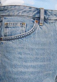 Monki - KIMOMO - Jeans straight leg - blue medium mid blue - 5