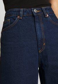 Monki - MOZIK RINSE - Jeans Relaxed Fit - blue medium dusty - 3