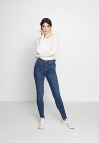 Monki - OKI NEW - Jeans Skinny Fit - blue medium dusty - 1