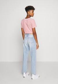 Monki - TAIKI - Jeans slim fit - blue dusty light - 2