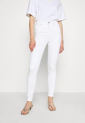 OKI - Slim fit jeans - white light unique